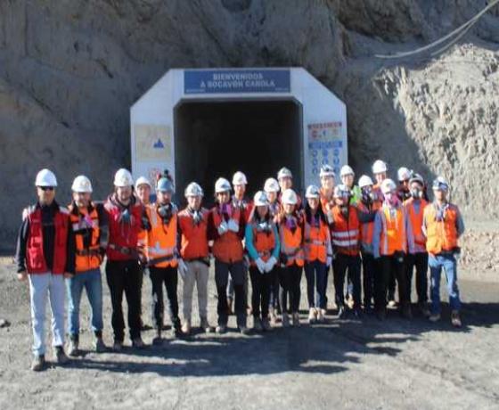 futuros-ingenieros-visitan-mina-carola